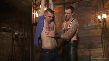 Christian Wilde - Slave 401 submits his entire body to the whims of Mr. Wilde