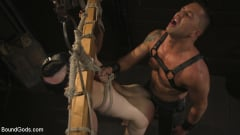 Dominic Pacifico - Pretty boy Zak Bishop gets trained by Master Pacifico (Thumb 01)