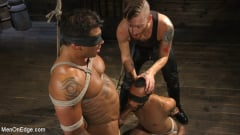 Draven Navarro - Muscle Stud Draven Navarro Gets His Big Cock Sucked and Edged (Thumb 04)
