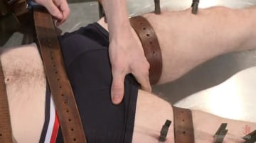 Rob Yaeger - Helplessly bound Seamus O'Reilly fisted on the hospital night shift