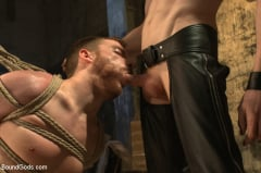 Sebastian Keys - Dockworker gets taken down and fucked by a leather dom (Thumb 04)