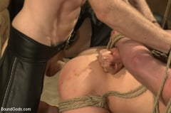 Sebastian Keys - Dockworker gets taken down and fucked by a leather dom (Thumb 06)