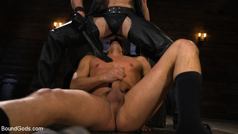 Kink Men 'New Slave Cesar Xes petitions the House' starring Sebastian Keys (photo 7)