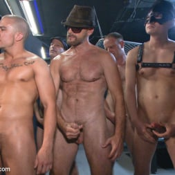 Aleks Buldocek in 'Kink Men' Giant cock whored out to the horny public (Thumbnail 7)