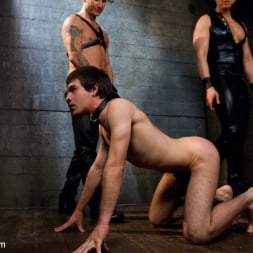 Brenn Wyson in 'Kink Men' Deap Submission - Live Shoot (Thumbnail 7)