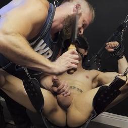 Brian Bonds in 'Kink Men' Hot Hole: Brian Bonds Devours Daniel Hausser's Ass RAW (Thumbnail 1)