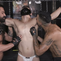 Cazden Hunter in 'Kink Men' Wants Cock In His Hungry Pig Hole RAW (Thumbnail 19)