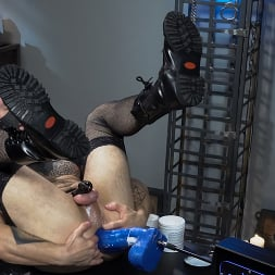 Corbin Dallas in 'Kink Men' Is The Sneak (Thumbnail 13)