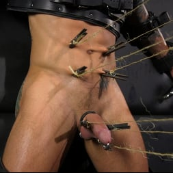 Dale Savage in 'Kink Men' As You Wish: Archer Croft Pushed Hard by Daddy Dale Savage (Thumbnail 15)