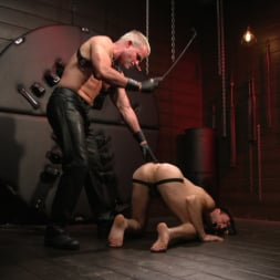 Dale Savage in 'Kink Men' Muscle Daddy Dale Savage Punishes Big-Dicked Mason Lear (Thumbnail 3)