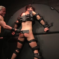 Dale Savage in 'Kink Men' Muscle Daddy Dale Savage Punishes Big-Dicked Mason Lear (Thumbnail 24)