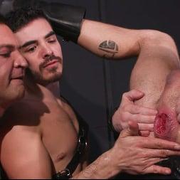 Dominic Pacifico in 'Kink Men' Fist City: Dominic Pacifico and Cazen Hunter Stuff Drew Dixon RAW (Thumbnail 31)