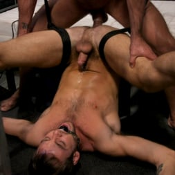 Dominic Pacifico in 'Kink Men' Hard Up Hole: Max Adonis gives up holes for protection (Thumbnail 18)