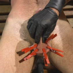 Dominic Pacifico in 'Kink Men' The Pup Master - Introducing: Master Pacifico (Thumbnail 5)