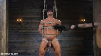 Draven Navarro in 'Bound bodybuilding god at the hands and torment of Mr Keys'