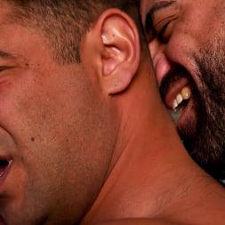 Draven Navarro in 'Kink Men' Desert Captive: Ricky Larkin Fucks Draven Navarro Raw (Thumbnail 12)