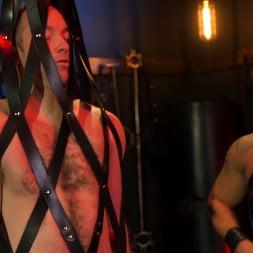 Draven Navarro in 'Kink Men' The Bottom Bitch: Draven Navarro Pulls Rank on Alex Hawk RAW (Thumbnail 2)