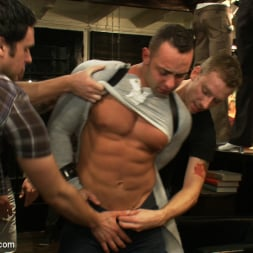 Fabio Stallone in 'Kink Men' Ripped Muscle, Fat Cock, Round Ass, Humiliated in Public (Thumbnail 2)