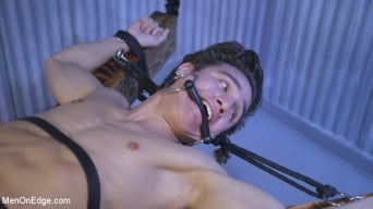 Josh Hunter in 'Muscle Twink Josh Hunter Edged in Captivity'