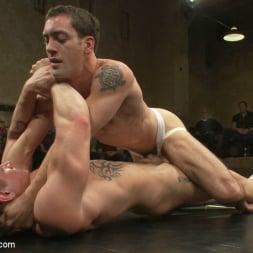 Leo Forte in 'Kink Men' Trent Diesel and Sebastian Keys vs Leo Forte and DJ Live Match (Thumbnail 4)