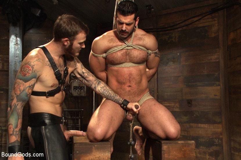 Bearcub bondage naked hunks nude guys bdsm webcam photo