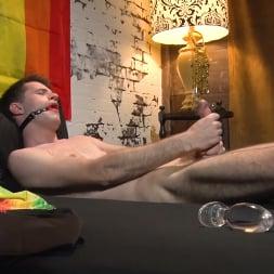 Maxx Monroe in 'Kink Men' Taking the Edge Off: Big Dicked Maxx Monroe Jerks It Before Pride (Thumbnail 6)