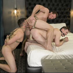 Pierce Paris in 'Kink Men' For Better or For Worse Part 2: Step Brother Gets RAW Vengeance (Thumbnail 16)