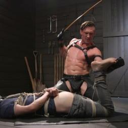 Pierce Paris in 'Kink Men' Manhandles Tony Orlando (Thumbnail 11)