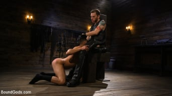 Sebastian Keys in 'New Slave Cesar Xes petitions the House'