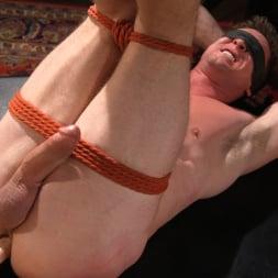 Pierce Paris in 'Kink Men' Sore Loser: Muscle stud Pierce Paris Gets Beat and Foot-Fucked (Thumbnail 3)