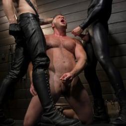 Sebastian Keys in 'Kink Men' The Good Slave: Tough built boy Brian Bonds returns (Thumbnail 3)