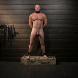 Sebastian Keys in 'Kink Men' The Good Slave: Tough built boy Brian Bonds returns (Thumbnail 9)