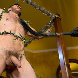 Vander Pulaski in 'Kink Men' Homo Alone, Part One: Vander Pulaski Taken Down in Home Invasion (Thumbnail 21)